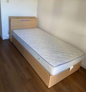 カレッジタウン家具付きベッド見本