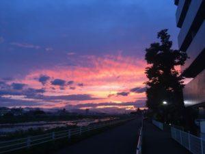 浅川の夕焼け